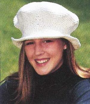 mushroom-crocheted-cap